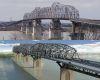 louisiana: monitoring bridge expansion